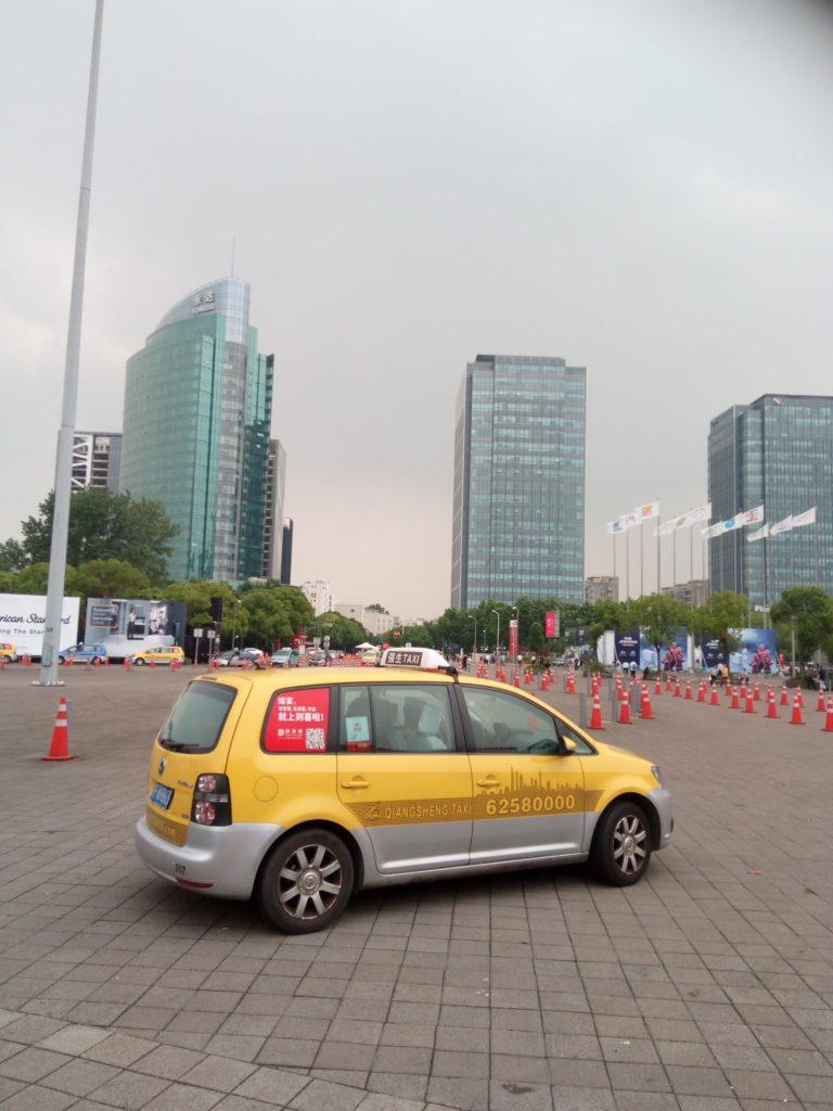 上海でタクシーに乗るなら大卒がオススメ…???