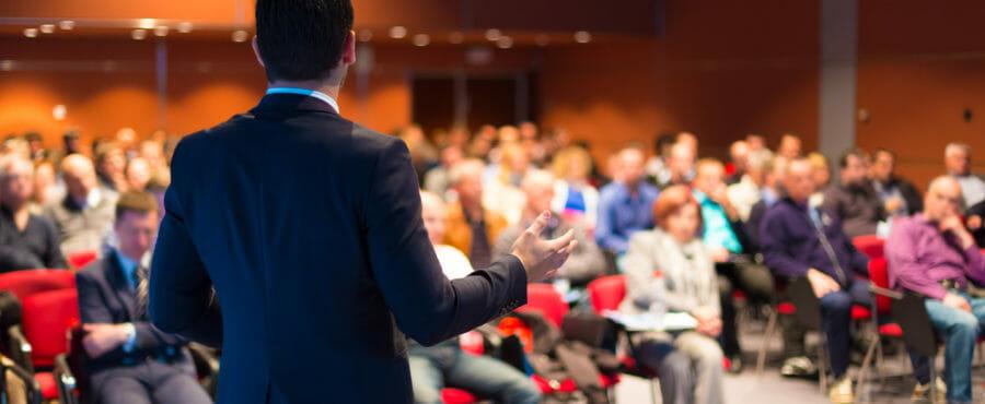 こんな時だからこそ家で楽しみながら学びたい!ビジネスに効くTEDスピーチ厳選10